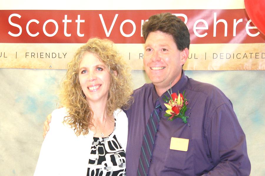 Belton Hy-Vee Store Manager, Brenda Slivinski with Legendary Customer Service Award winner, Scott VonBehren, Convenience Store Manager