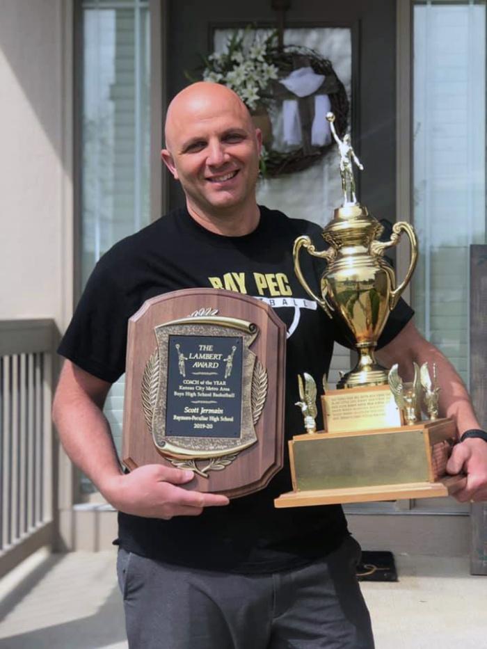 Scott Jermain with trophy